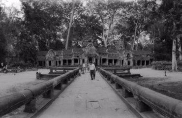 uschinatrip-cambodia-black