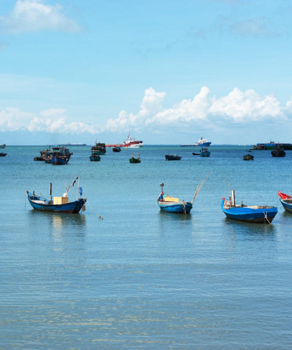 uschinatrip-vietnam-boat